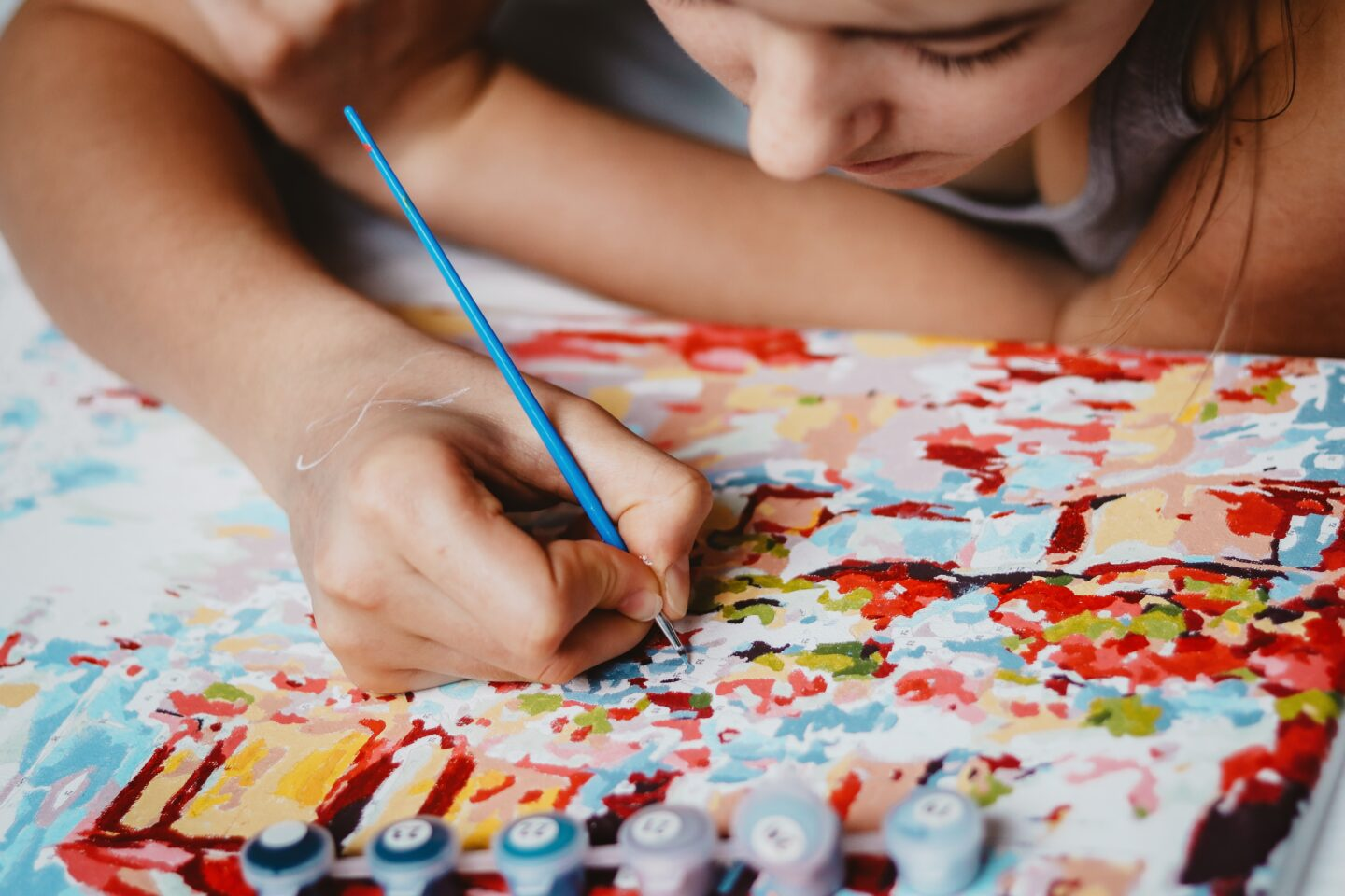 Looking for fun and cheap hobbies to try in college? Some of my favorite pastimes in college aren't expensive AT ALL! From drawing, coloring all the way to cooking and crocheting there is a lot you of fun skills you can learn in college to get the most of your college years #collegehobbies #college #cheaphobbies