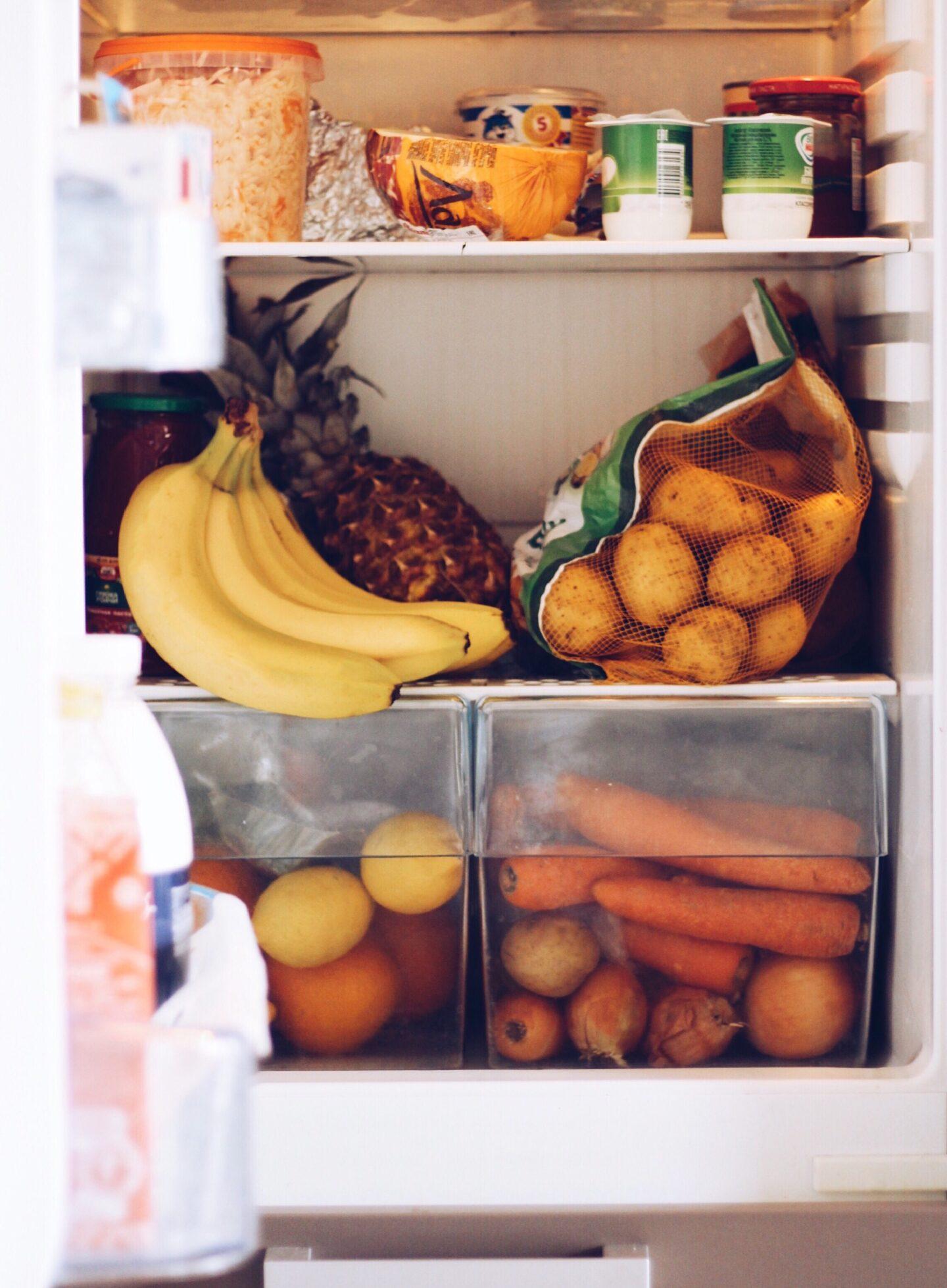 refrigerator with freezer for college dor,